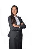 Giovane donna di affari sorridente con le braccia piegate Fotografia Stock Libera da Diritti