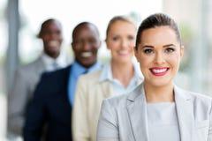 Giovane donna di affari in una fila Fotografia Stock