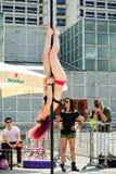 Giovane donna di ballo del palo Immagine Stock Libera da Diritti