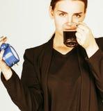 Giovane donna di bellezza in costume di stile di affari che sveglia per il lavoro Fotografia Stock Libera da Diritti