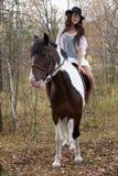 Giovane donna e cavallo Fotografie Stock