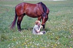 Giovane donna e cavallo Fotografia Stock Libera da Diritti