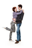 Giovane donna ed uomo, abbraccianti. Immagine Stock