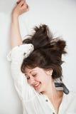 Giovane donna felice che si sveglia Fotografia Stock Libera da Diritti