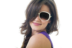 Giovane donna felice con gli occhiali da sole Fotografie Stock Libere da Diritti