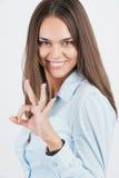Giovane donna felice di affari con il gesto giusto Fotografia Stock Libera da Diritti