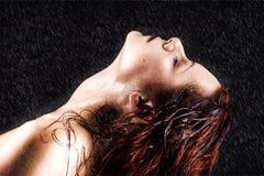 Giovane donna fresca e bagnata Immagine Stock Libera da Diritti