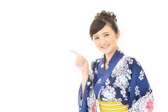 Giovane donna giapponese attraente fotografia stock libera da diritti