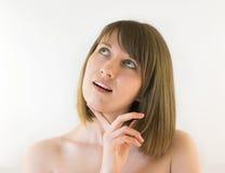 Giovane donna graziosa che cade al pensiero Fotografia Stock Libera da Diritti