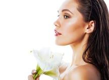 Giovane donna graziosa con la fine del fiore di Amarilis su isolata su wh Fotografie Stock