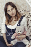 Giovane donna incinta Immagine Stock Libera da Diritti