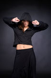 Giovane donna nello stile del luppolo dell'anca Fotografia Stock