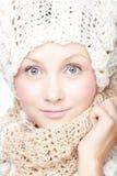 Giovane donna in sciarpa Fotografia Stock