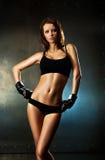 Giovane donna sexy di forma fisica Fotografia Stock Libera da Diritti