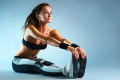 Giovane donna sexy di forma fisica Fotografia Stock