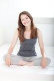 Giovane donna soddisfatta Fotografia Stock