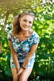 Giovane donna sorridente Immagine Stock