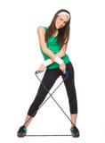 Giovane donna sorridente con la corda di salto immagini stock libere da diritti