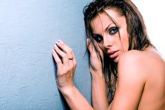 Giovane donna spaventata Fotografie Stock Libere da Diritti