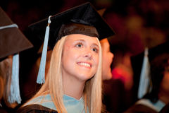Giovane donna sul giorno di laurea Immagini Stock