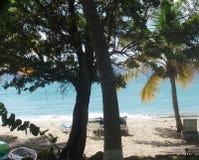 Giovane donna sulla spiaggia dell'isola di Formentera Fotografia Stock Libera da Diritti