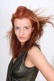 Giovane donna in vestito con coiffure fotografia stock