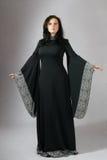 Giovane donna in vestito medioevale Fotografie Stock Libere da Diritti