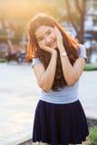 Giovane e bella donna asiatica con sorridere Immagine Stock Libera da Diritti