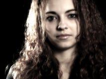 Giovane e ragazza che lo esamina 2 Fotografia Stock Libera da Diritti
