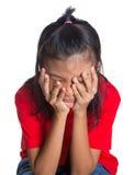 Giovane espressione asiatica V del fronte della ragazza Fotografie Stock