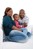Giovane famiglia nera nel paese Immagine Stock Libera da Diritti