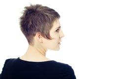 Giovane femmina con la bella breve acconciatura Fotografie Stock Libere da Diritti
