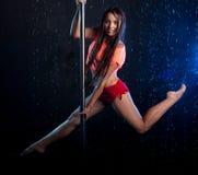 Giovane foto sexy dello studio dell'acqua della donna Fotografia Stock
