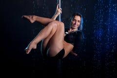 Giovane foto sexy dello studio dell'acqua della donna Immagine Stock