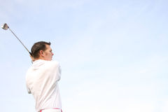 Giovane giocatore di golf Immagini Stock Libere da Diritti