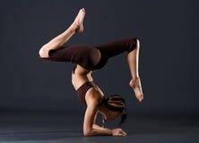 Giovane gymnast femminile Fotografie Stock