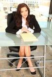 Giovane imprenditore all'ufficio Fotografie Stock Libere da Diritti