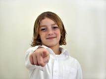 Giovane indicare del ragazzo Immagine Stock