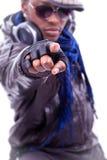 Giovane indicare freddo degli uomini di colore Fotografia Stock Libera da Diritti