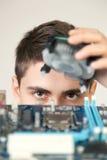 Giovane ingegnere in informatica Immagine Stock