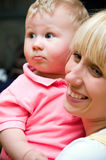 Giovane madre con il neonato Immagine Stock