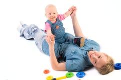 Giovane madre con la neonata Immagini Stock