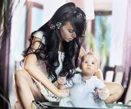 Giovane madre di bellezza Fotografia Stock