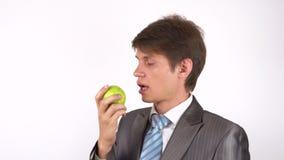 Giovane mangiatore di uomini una mela video d archivio