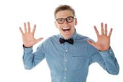 Giovane maschio bello emozionante e sorpreso Fotografia Stock