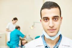 Giovane medico asiatico del dentista Immagine Stock