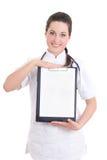 Giovane medico femminile con la cartella isolata su fondo bianco Fotografia Stock