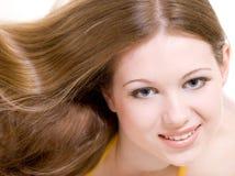 Giovane modello attraente con capelli lunghi immagine stock libera da diritti