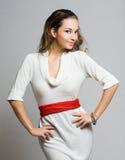 Giovane modello di moda castana. Immagini Stock