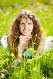 Giovane molla o donna di modo di estate in molla di salto l del giardino Immagini Stock Libere da Diritti